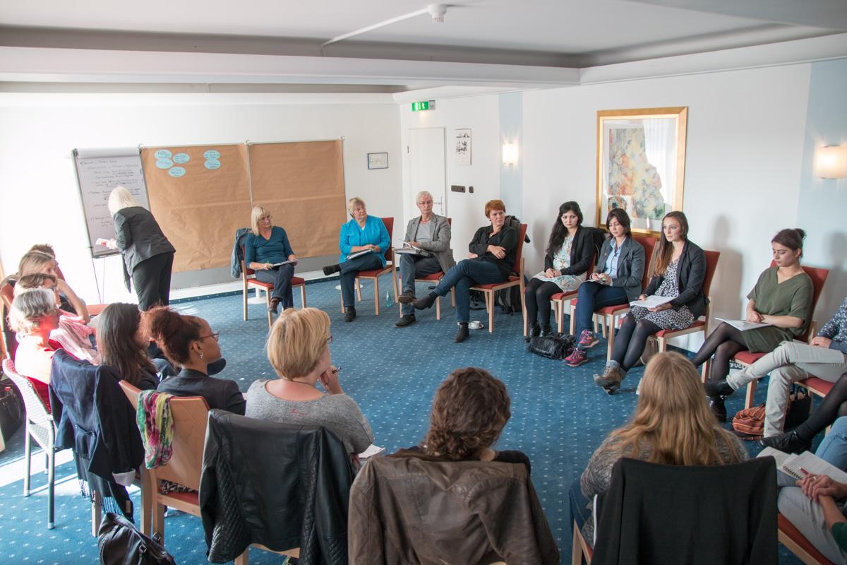 Kleingruppenarbeit: Frauen auf der Flucht